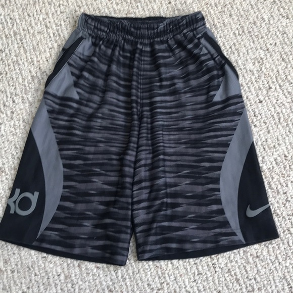 385c3626 Nike Boys Dri-Fit KD Shorts. M_5ae78302739d48b80ac9e7c0